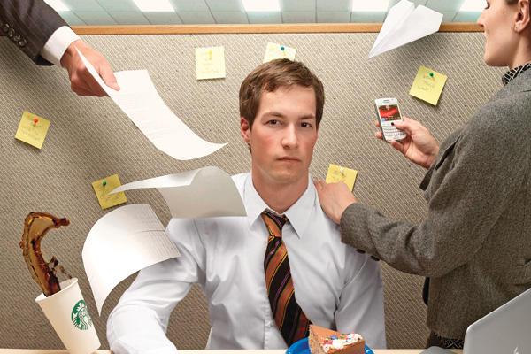 6 أسباب شائعة تُشتت انتباهك أثناء العمل