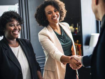 كيف تندمج وتبني شبكة علاقات مع رواد الأعمال في مجالك